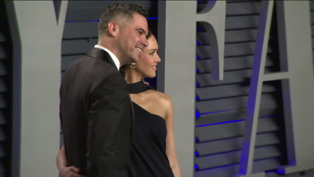 KTLA Jessica Alba and Cash Warren at Vanity Fair Oscar Party