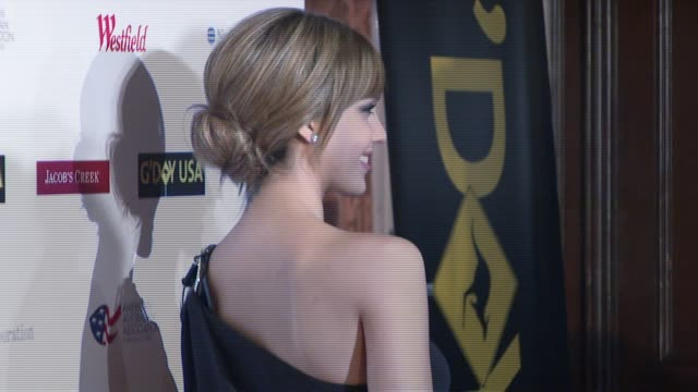 jessica alba at the 'g'day usa' australia day black tie gala at the waldorf astoria in new york new york on january 26 2008 - waldorf astoria new york stock videos & royalty-free footage
