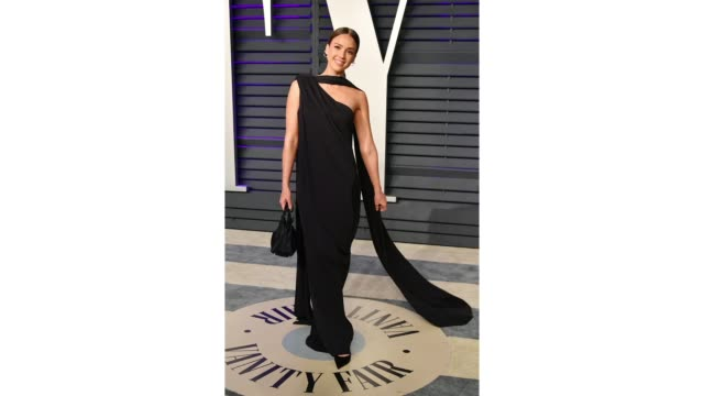 jessica alba attends the 2019 vanity fair oscar party hosted by radhika jones at wallis annenberg center for the performing arts on february 24 2019... - gif file format extension stock videos & royalty-free footage