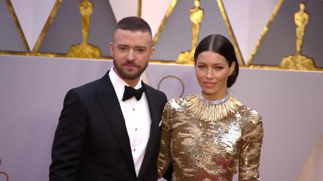 jessica biel and justin timberlake at 89th annual academy awards arrivals at hollywood highland center on february 26 2017 in hollywood california 4k - justin timberlake stock-videos und b-roll-filmmaterial
