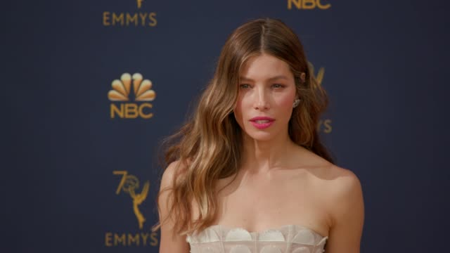 jessica biel at the 70th emmy awards arrivals at microsoft theater on september 17 2018 in los angeles california - emmy awards stock-videos und b-roll-filmmaterial
