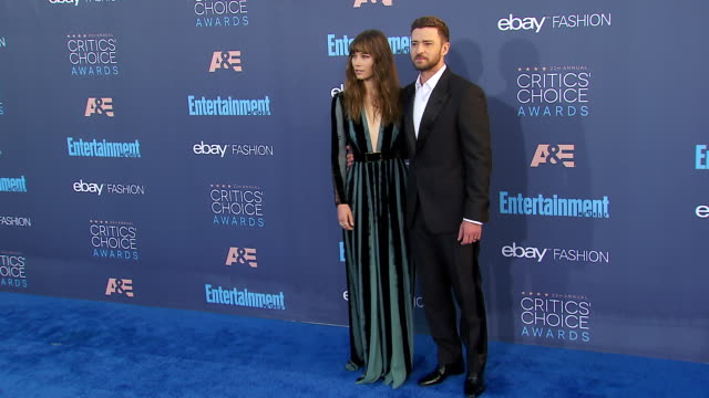 jessica biel justin timberlake at 22nd annual critics' choice awards in los angeles ca - justin timberlake stock-videos und b-roll-filmmaterial