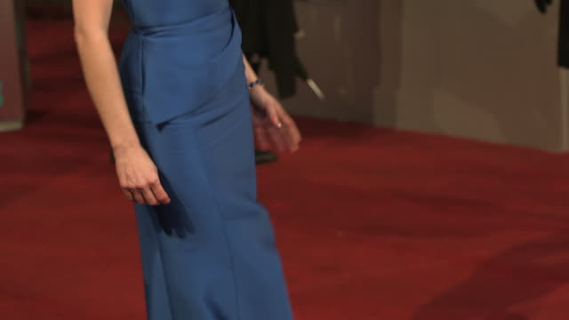 jessica chastain at ee british academy film awards 2013 red carpet arrivals at the royal opera house on february 10 2013 in london england - 英国アカデミー映画賞点の映像素材/bロール