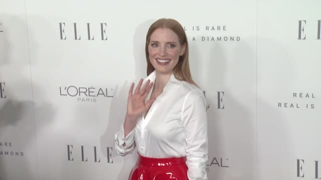 GIF Jessica Chastain at the 24th Annual ELLE Women In Hollywood Awards