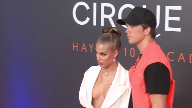 stockvideo's en b-roll-footage met jessica goicoechea and river viiperi attend the photocall of 'messi 10' by cirque du soleil - circus