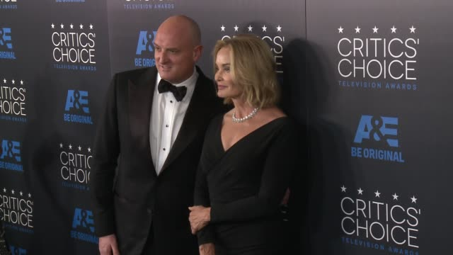 jessica lange at the 2015 critics' choice television awards at the beverly hilton hotel on may 31, 2015 in beverly hills, california. - 放送テレビ批評家協会賞点の映像素材/bロール