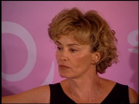 vidéos et rushes de jessica lange at the women in film awards on june 9 2000 - lange