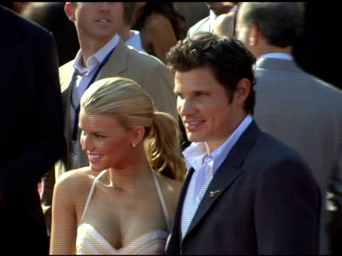 jessica simpson and nick lachey at the 13th annual espy awards arrivals at the kodak theatre in hollywood california on july 13 2005 - nick lachey stock videos & royalty-free footage