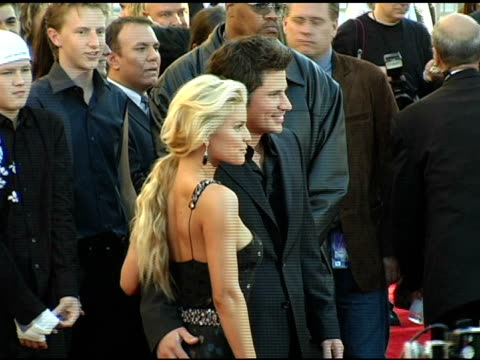 jessica simpson and nick lachey at the 2004 american music awards red carpet at the shrine auditorium in los angeles california on november 14 2004 - nick lachey stock videos & royalty-free footage