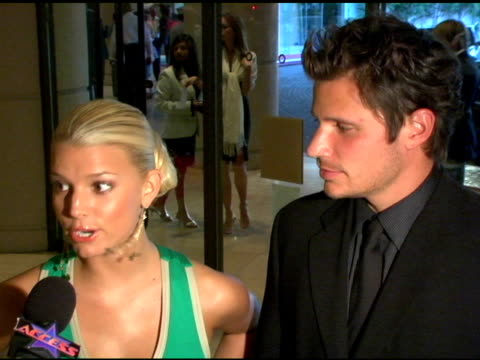 jessica simpson and nick lachey at the operation smile's 3rd annual los angeles gala at the beverly hilton in beverly hills california on september... - nick lachey stock videos & royalty-free footage