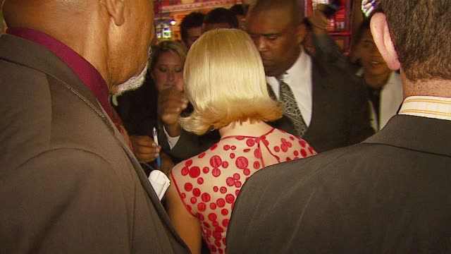jessica simpson at the 'employee of the month' premiere at grauman's chinese theatre in hollywood, california on september 19, 2006. - jessica simpson stock videos & royalty-free footage