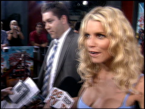 stockvideo's en b-roll-footage met jessica simpson at the premiere of 'the dukes of hazzard' at grauman's chinese theatre in hollywood, california on july 28, 2005. - jessica simpson