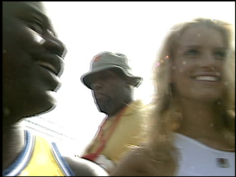 jessica simpson at the shaqtacular viii at barker hanger in santa monica, california on september 20, 2003. - バーカーハンガー点の映像素材/bロール