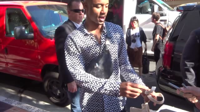 jessie t. usher signs autographs for fans on day 2 of san diego comic-con international at celebrity sightings in san diego on july 20, 2019 in san... - アッシャー点の映像素材/bロール