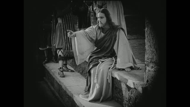 vídeos y material grabado en eventos de stock de jesus comes to the aid of an ostracized woman - jesucristo