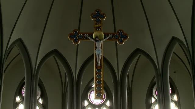 jesus in reykjavik - nuovo testamento video stock e b–roll