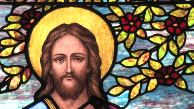 stockvideo's en b-roll-footage met jesus in stained glass -- hd - kerk