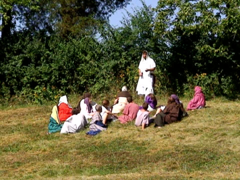 vídeos de stock e filmes b-roll de jesus ensinando sua disciples - cristo redentor