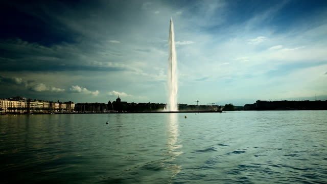 jet d'eau lake geneva in summer - fountain stock videos & royalty-free footage