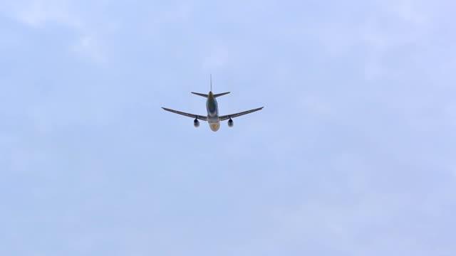 vídeos y material grabado en eventos de stock de jet avión despegando - despegar actividad