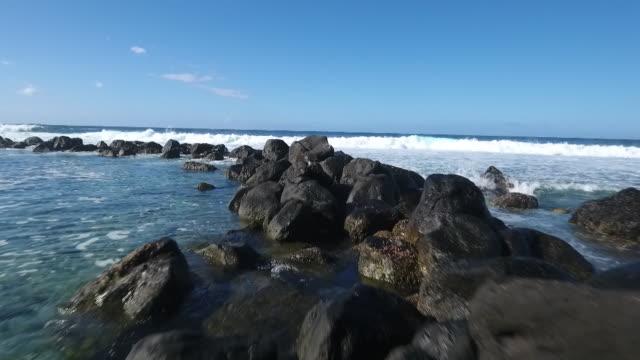 Jetée de rochers à La Réunion