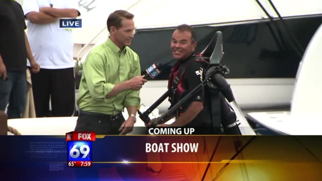 jetpacker falls in water on live television on july 25 2011 in san diego california - ngクリップ点の映像素材/bロール