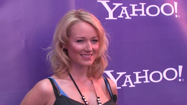 Jewel at the Yahoo Kicks Off Global Yodel Competition with Jewel and LeAnn Rimes at New York NY