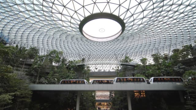 jewel terminal at singapore airport - design stock-videos und b-roll-filmmaterial