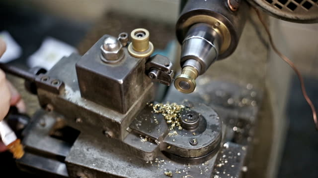 Jeweler turning machine