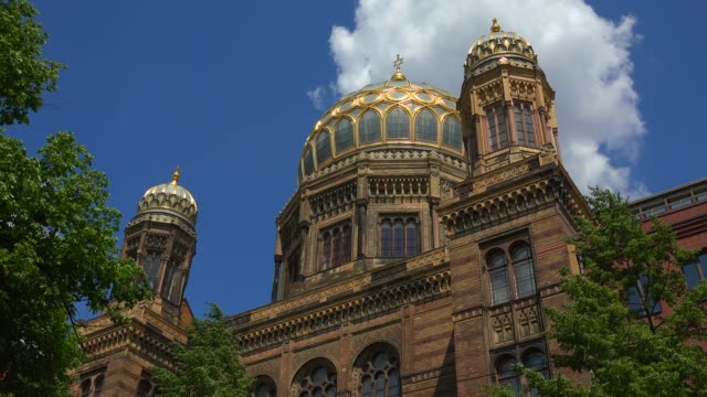 jewish synagogue, berlin-mitte, berlin, germany, europe - judaism stock videos & royalty-free footage