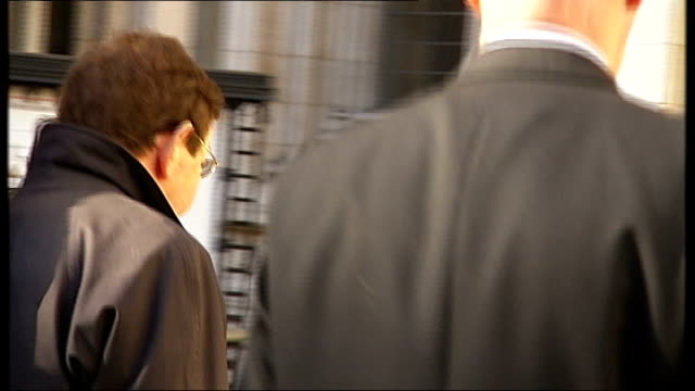 barry george to face retrial t06110716 day former forensic science service scientist robin keeley into high court keely sitting at desk reading... - jill dando stock videos and b-roll footage