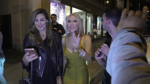 jill zarin, gretchen rossi, kelly dodd & heather mcdonald leave a real housewives dinner party at craig's in west hollywood in celebrity sightings in... - リアリティー番組点の映像素材/bロール