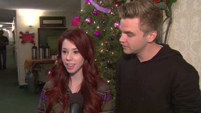 jillian rose reed & brett davern on why they chose this to do at the cast of 'awkward' led by jillian rose reed and dosomething.org get grandparents... - mensch und maschine stock-videos und b-roll-filmmaterial