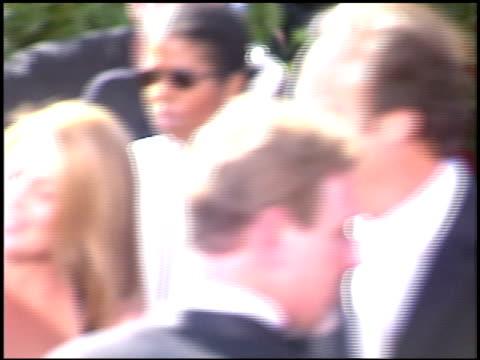 vídeos y material grabado en eventos de stock de jim belushi at the 2004 emmy awards arrival at the shrine auditorium in los angeles, california on september 19, 2004. - jim belushi