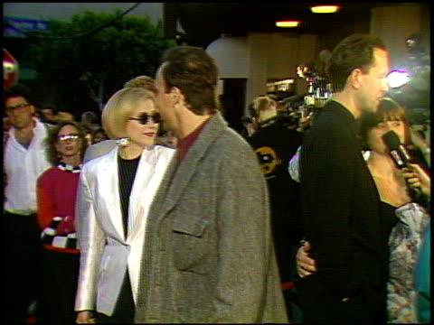 vídeos y material grabado en eventos de stock de jim belushi at the 'hudson hawk' premiere on may 20, 1991. - jim belushi