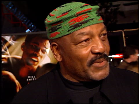 Jim Brown at the 'Ali' Premiere at Grauman's Chinese Theatre in Hollywood California on December 12 2001