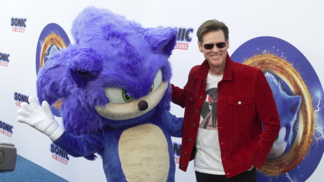 jim carrey and sonic the hedgehog at the sonic the hedgehog family day event at paramount theater on the paramount studios lot on january 25 2020 in... - jim carrey bildbanksvideor och videomaterial från bakom kulisserna