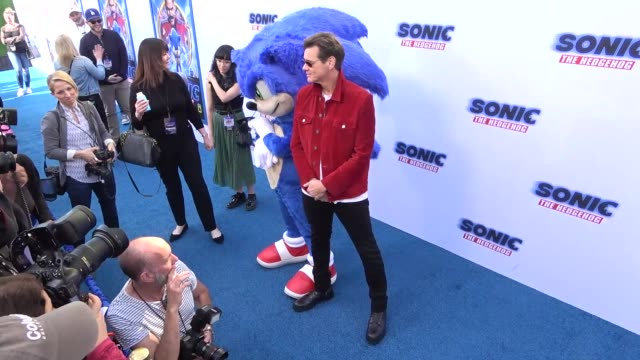 jim carrey at the sonic the hedgehog family day event at the paramount theatre in los angeles at celebrity sightings in los angeles on january 24... - jim carrey bildbanksvideor och videomaterial från bakom kulisserna