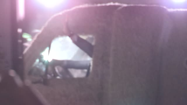 vídeos y material grabado en eventos de stock de jim carrey & jeff daniels arrive in the mutt cutts dog mobile van at the dumb and dumber to premiere in westwood at celebrity sightings in los... - jim carrey