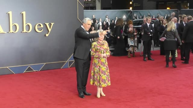 jim carter imelda staunton at 'downton abbey' world premiere at cineworld leicester square on september 9 2019 in london england - premiere stock-videos und b-roll-filmmaterial