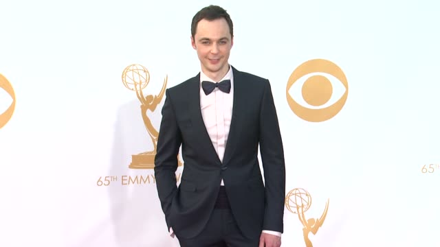 jim parsons at 65th annual primetime emmy awards - arrivals jim parsons at 65th annual primetime emmy awards at nokia theatre l.a. live on september... - emmy awards stock-videos und b-roll-filmmaterial