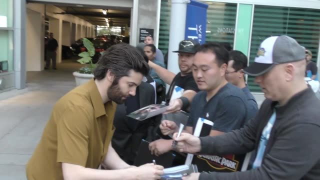 vidéos et rushes de jim sturgess outside the j.t. leroy premiere at arclight cinemas in hollywood in celebrity sightings in los angeles, - arclight cinemas hollywood