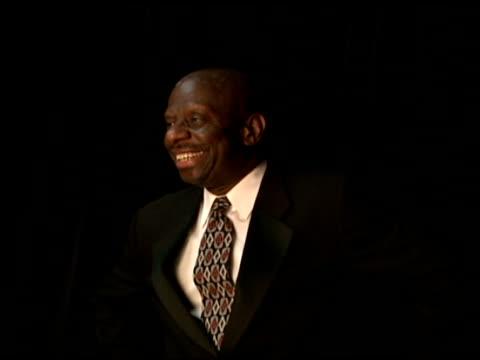jimmie walker at the 2006 bet awards portrait studio at the shrine auditorium in los angeles, california on june 27, 2006. - black entertainment television bildbanksvideor och videomaterial från bakom kulisserna
