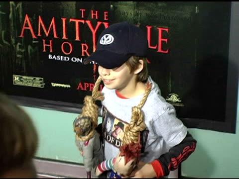 vídeos y material grabado en eventos de stock de jimmy bennet at the 'amityville horror' worldwide premiere at the cinerama dome at arclight cinemas in hollywood california on april 7 2005 - arclight cinemas hollywood