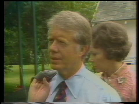 vídeos de stock e filmes b-roll de jimmy carter talks about his plans for the presidential debates during the 1976 presidential campaign season. - 1976
