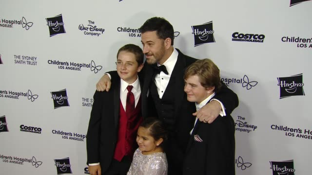 stockvideo's en b-roll-footage met jimmy kimmel and eliana georges at the 2018 children's hospital los angeles 'from paris with love' gala at l.a. live event deck on october 20, 2018... - jimmy kimmel