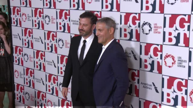 stockvideo's en b-roll-footage met jimmy kimmel ariel emanuel at los angeles lgbt center's 48th anniversary gala vanguard awards in los angeles ca - anniversary gala vanguard awards