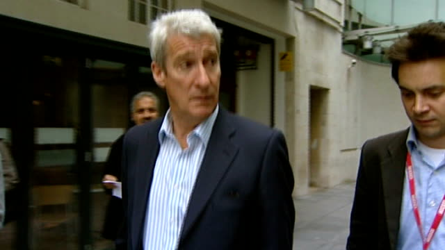 vídeos y material grabado en eventos de stock de publishes evidence given to pollard review; lib england: london: bbc broadcasting house: ext jeremy paxman responding to unseen reporter's question... - jeremy paxman