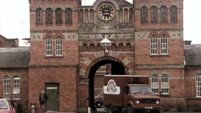 jimmy savile sexual abuse allegations / former broadmoor nurses speak out date unknown / 1980s file shots of broadmoor hospital with delivery van... - ジミー サヴィル点の映像素材/bロール