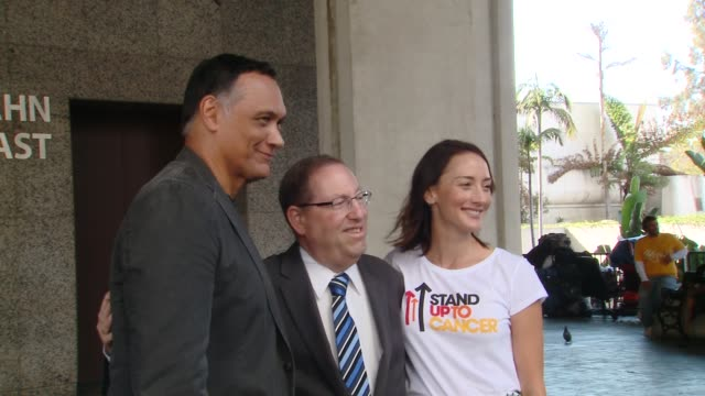 jimmy smits councilmember paul koretz bree turner at stand up to cancer day 2018 in los angeles ca - jimmy smits stock videos and b-roll footage